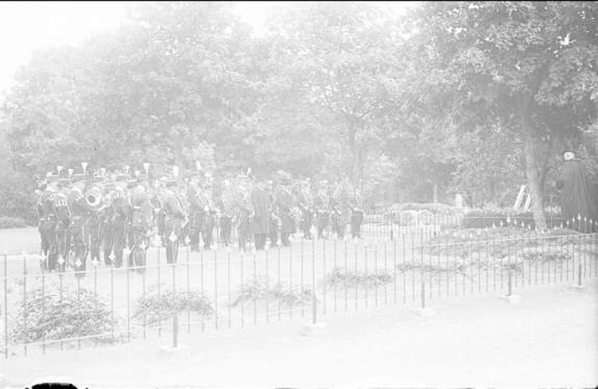 Militärbegravning, Sankta Elins kyrkogård, 4 skv.