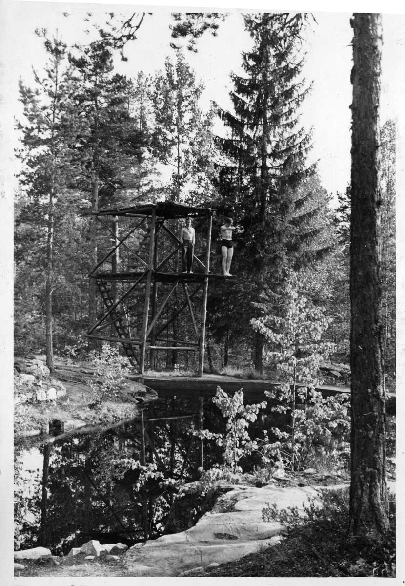 The diving tower at the Ruudhytta cabin.