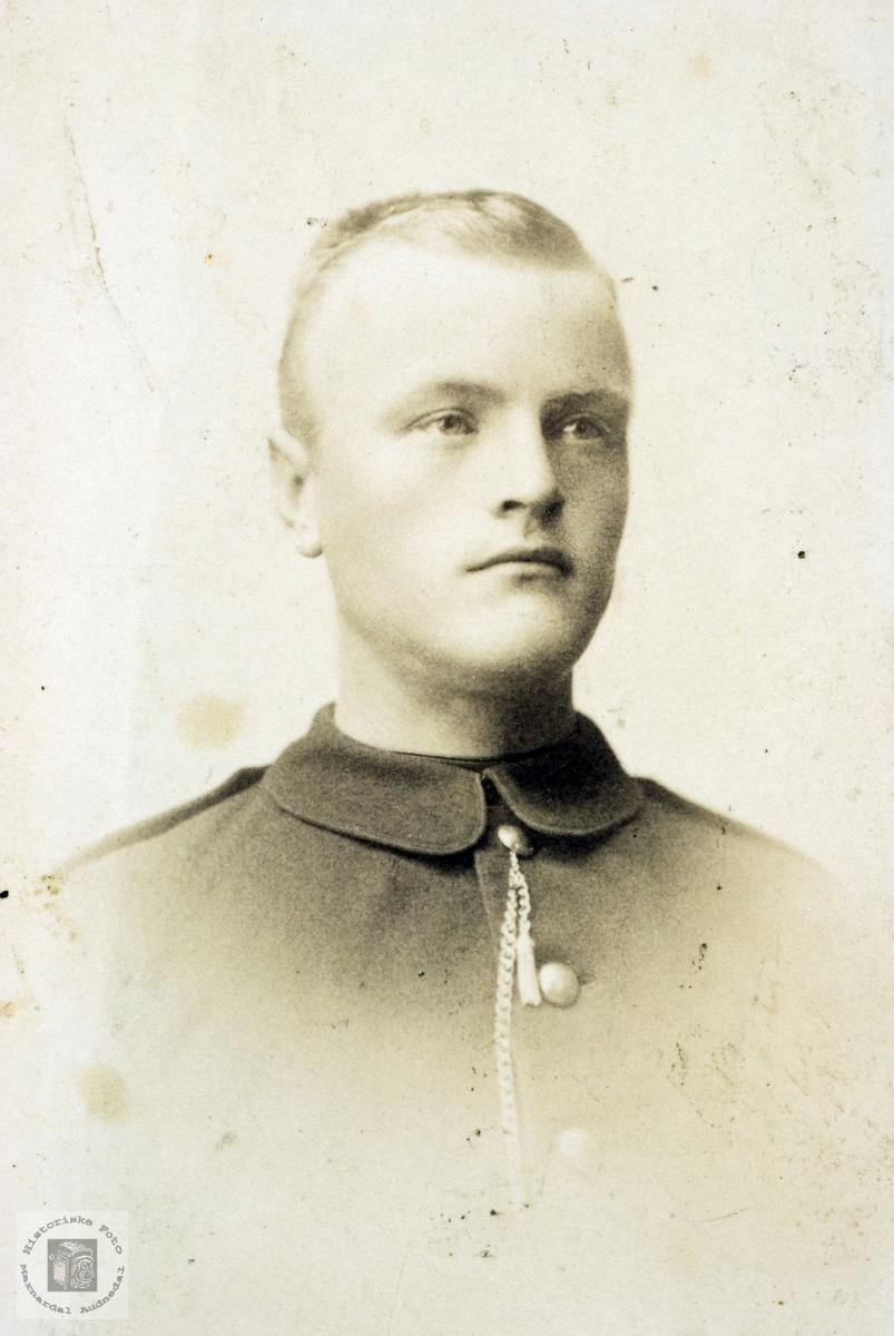 Portrett av Gunleiv Øydna.