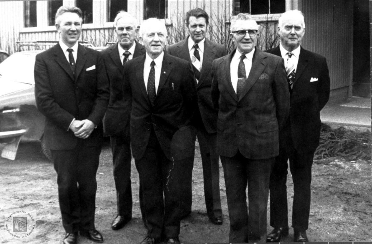 Styret i Bjelland Misjonsforrening ved 100 årsjubileet.