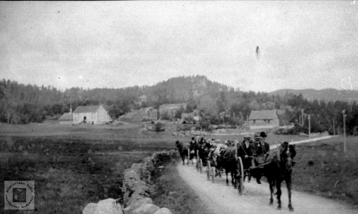 Gravferd frå Vollen på Foss, Bjelland.