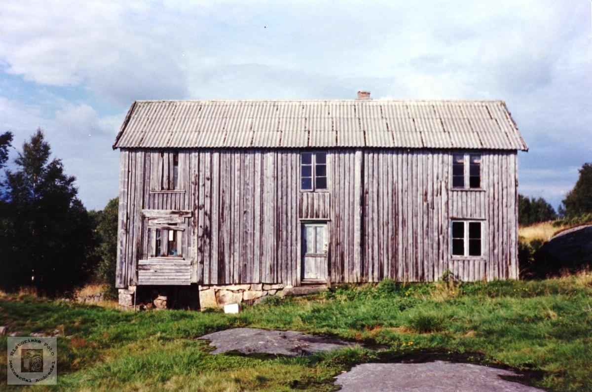 Gamalt hus på Solberg i Bjelland.