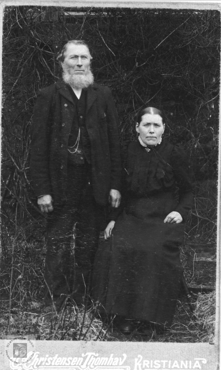 Ekteparet Gabriel og Astri Gangså, Øyslebø.