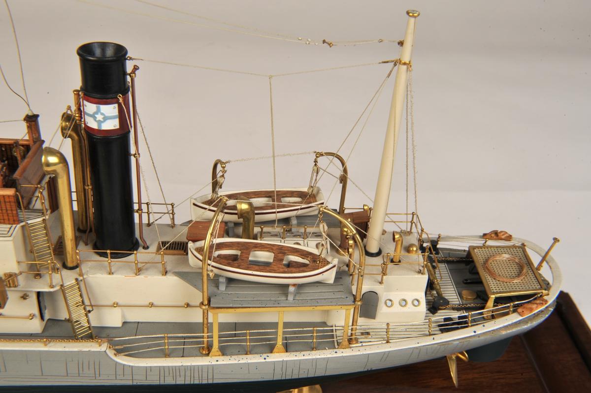 Liten hvalfangstskute, Anders Jahres rederi. Skuta var 115 fot lang, 24 fot bred, og tonnasjen var 248 brt. Bygget på Smith´s Dock & Co Ltd, Middelbsborough, England. I alliert tjeneste 1940 - 1946. Fanget i årene 1947 - 1951 med 'Anglo Norse' i Peru og på Madagaskar.Solgt 1953.