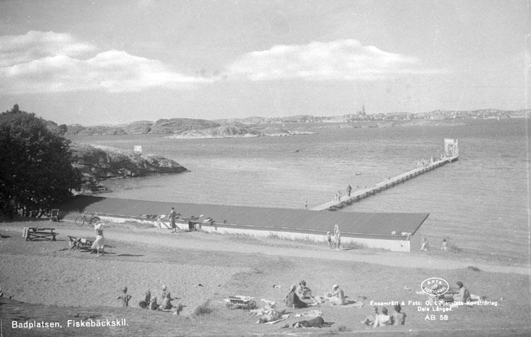 """Enligt text på fotot: """"Fiskebäckskil, Badstranden""""."""