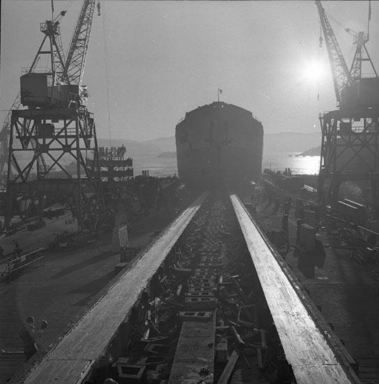 Dop och sjösättning av fartyg 178 T/T Trinity Navigator.