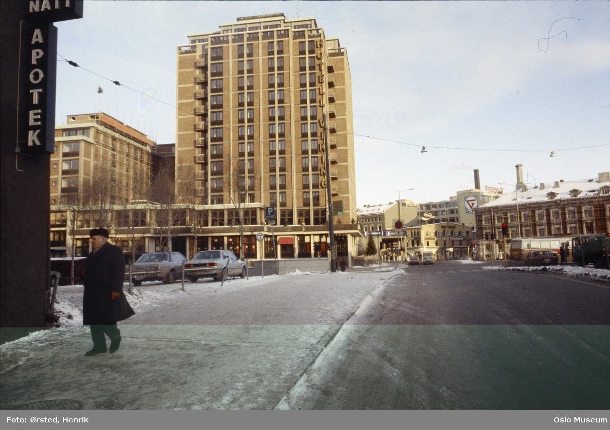 Hotell Viking, forretningsgårder, biler, mennesker, snø
