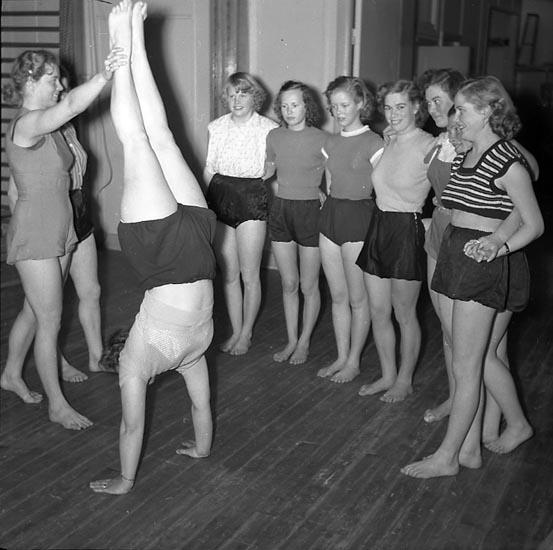 Handstående övning 1947