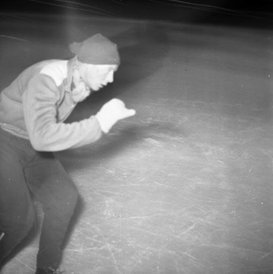 """Enligt notering:""""Hastighetsträning på Skridskor tränare Brallan Jansson 17-1-1955""""."""