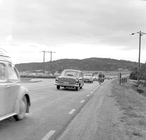 """Enligt notering: """"Trafikbilder söndagkväll 2/8 -59""""."""