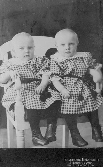 Rosa och Irma Bohlin 1917