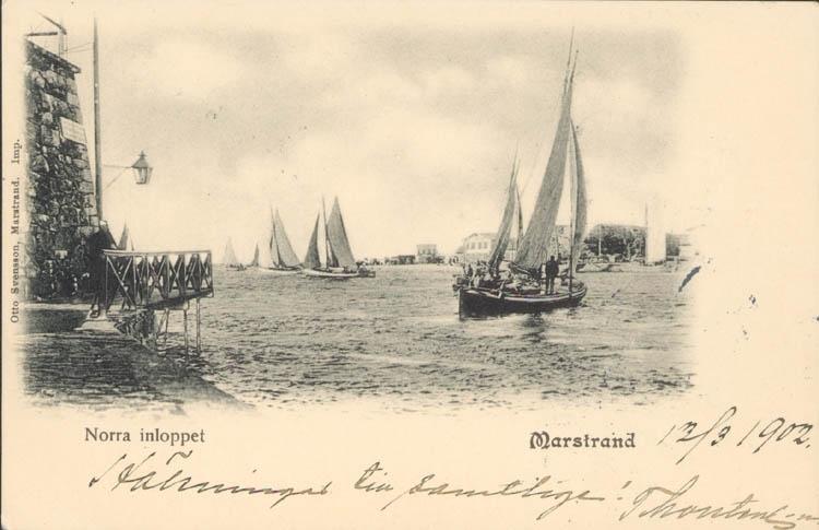 "Tryckt text på kortet: ""Norra inloppet. Marstrand."" ::"