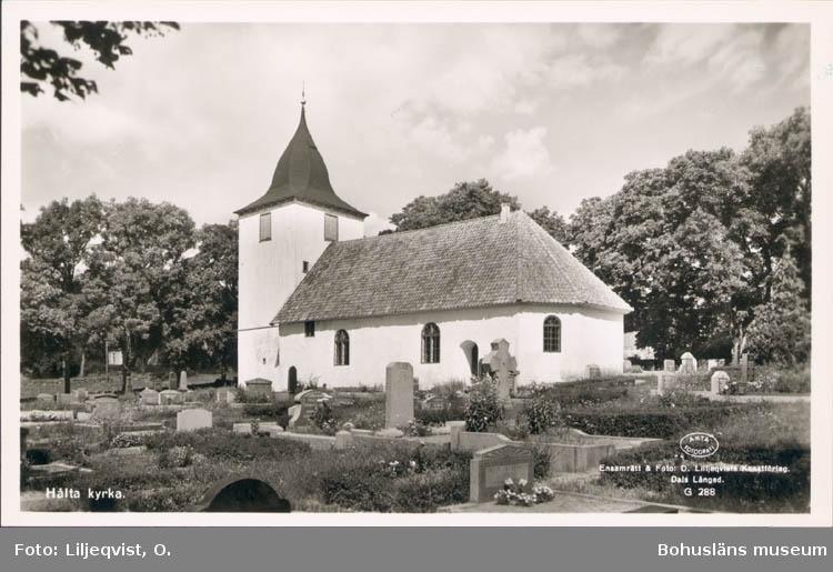 """Tryckt text på kortet: """"Hålta kyrka."""" """"Förlag: A. Elfström, Lökeberg."""""""