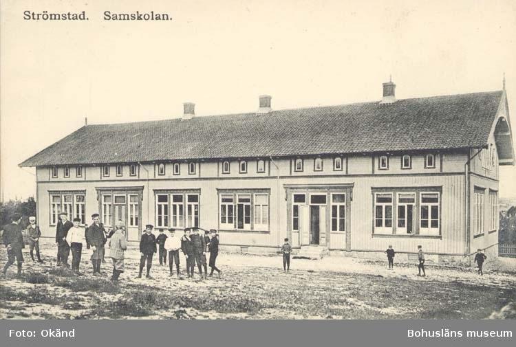 """Tryckt text på kortet: """"Strömstad. Samskolan.""""  ::"""