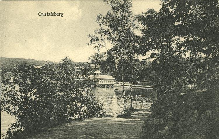 """Tryckt text på vykortets framsida: """"Gustafsberg."""" ::"""
