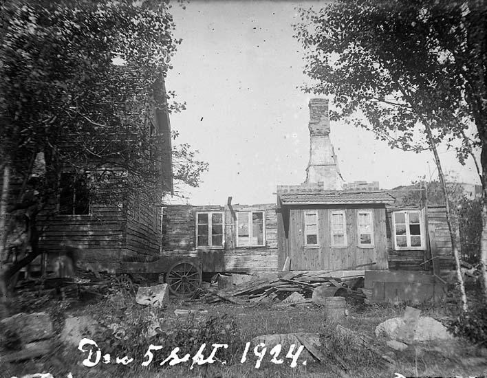 "Enligt text på fotot: ""Den 5 sept. 1924""."