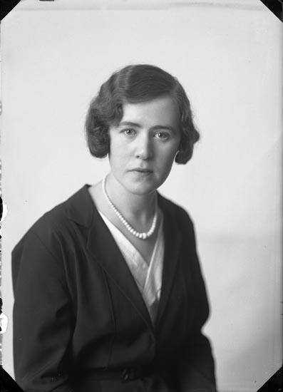 """Enligt fotografens anteckningar: """"1933, 49. Ragnhild Nordström""""."""