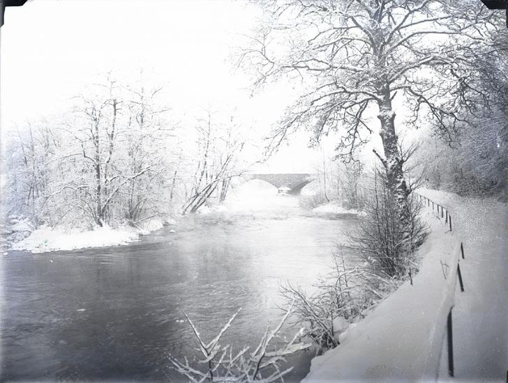 """1930. 14. Kvistrumsbron."""