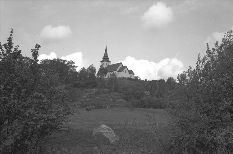 """Enligt fotografens noteringar: """"Munkedal Kapell""""."""