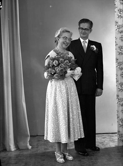 """Enligt fotografens journal nr 8 1951-1957: """"Habetswallner, Civilingeniör Harald von Lesseng, 5 c Norrköping""""."""