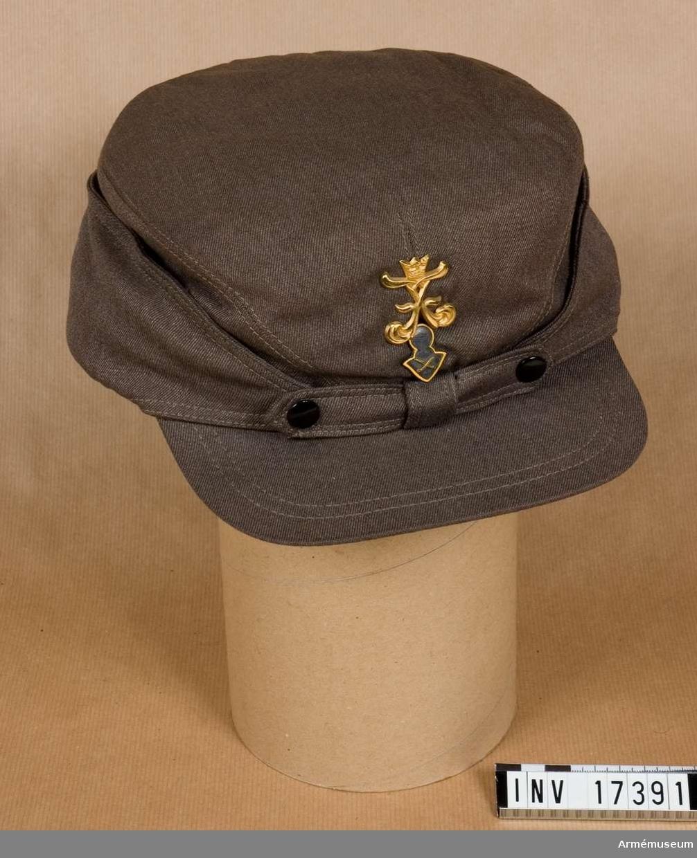 Grupp C I. Buren jan-okt 1942 av frivillige sergeanten vid nämnda regemente, 3. skvadronen, friherre B Sparre, f.1918. Nylands dragonreg stod under befäl av överste Hans Olof von Essen och ingick i Ryhmä Oinonen.