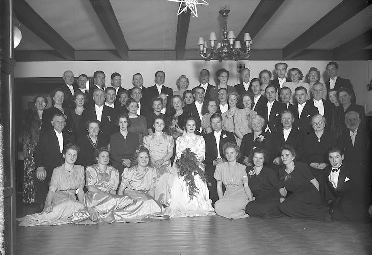 """Enligt fotografens journal nr 7 1944-1950: """"Falk, Agronom Ingvar Berga Vesterhaninge""""."""