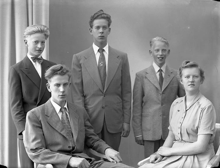 "Enligt fotografens journal nr 8 1951-1957: ""Carlsson, Fr. Marianne Spekeröd""."