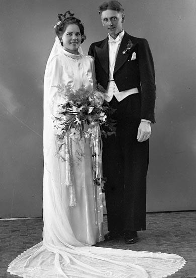 """Enligt fotografens journal nr 6 1930-1943: """"Olsson Herr Gösta Rishageröd Hasteröd""""."""