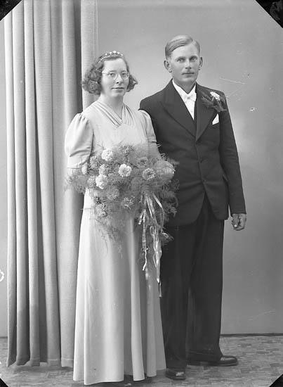 """Enligt fotografens journal nr 6 1930-1943: """"Andersson, Algot, Raröd, Jörlanda""""."""