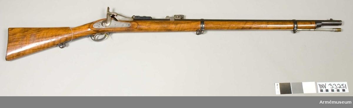 Grupp E II. Förändrad m/1867 från m/1859 för infanteriet med mekanism av Berdans konstruktion för centralantändning.
