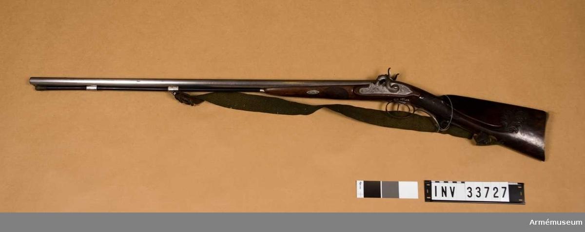 Grupp E II. Gevär m/1754 med flintlås för infanteri, Österrike; 1754-84.  På kolven österikiska dubbelörnen.