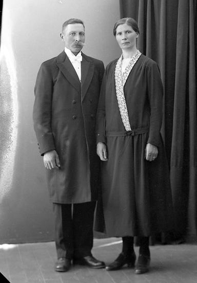 """Enligt fotografens journal nr 5 1923-1929: """"Andersson, John Hagen, Ödsmål""""."""