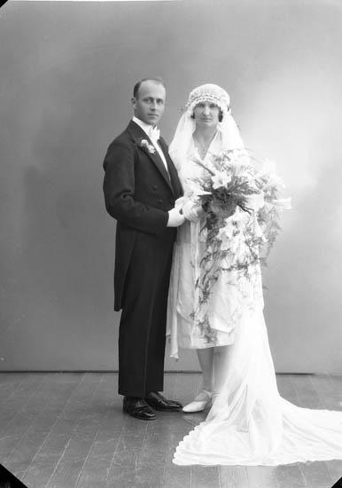 """Enligt fotografens journal nr 5 1923-1929: """"Martinsson, Herr Karl (Folkskollärare)""""."""