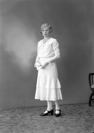 "Enligt fotografens journal nr 6 1930-1943: ""Andersson, Selma, Fagelund, Ucklum""."