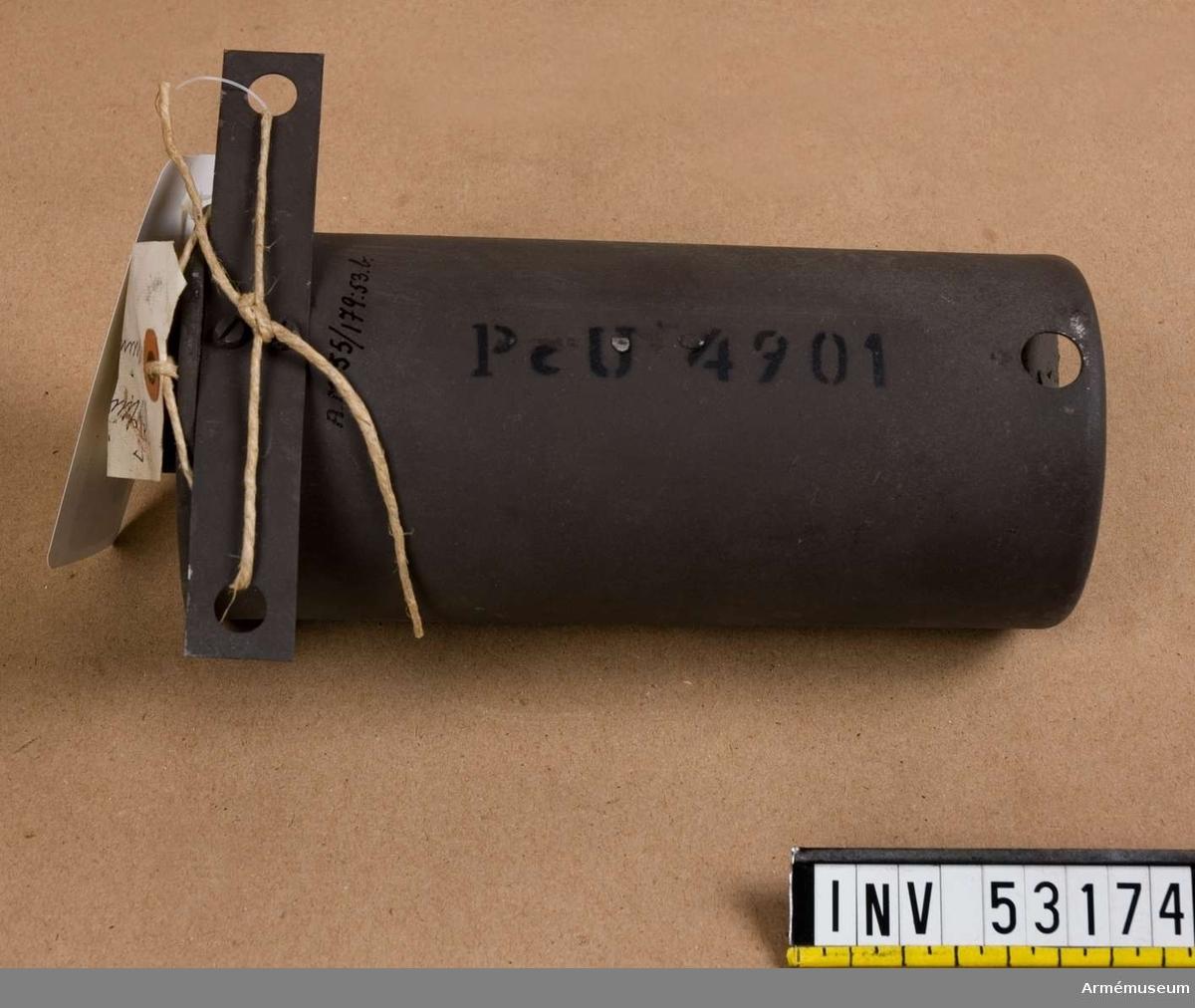 Grupp E V, F III, G III. Blind men märkt som skarp ammunition. Saknar laddning.