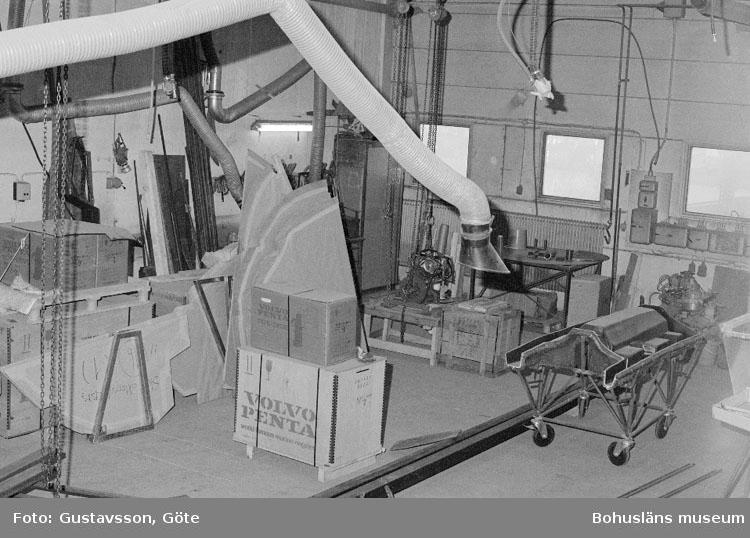 """Motivbeskrivning: """"Gullmarsvarvet AB, bild från b-hallen."""" Datum: 19801031"""