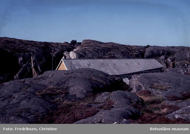 """Motivbeskrivning: """"Hälleviksstrands Slip & Varv, Hälleviksstrand, Orust.""""  Datum: Sept 1980."""