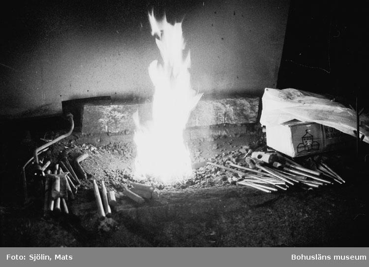 """Bohusläns samhälls- och näringsliv. 2. STENINDUSTRIN. Film: 23  Text som medföljde bilden: """"Härden. April 1977."""""""