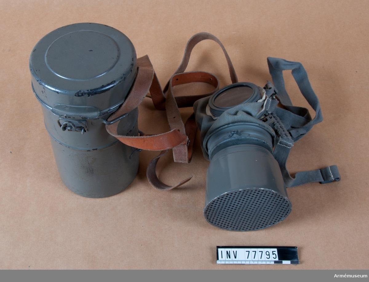 Grupp J. Gasmask m/1923, moderniserad.