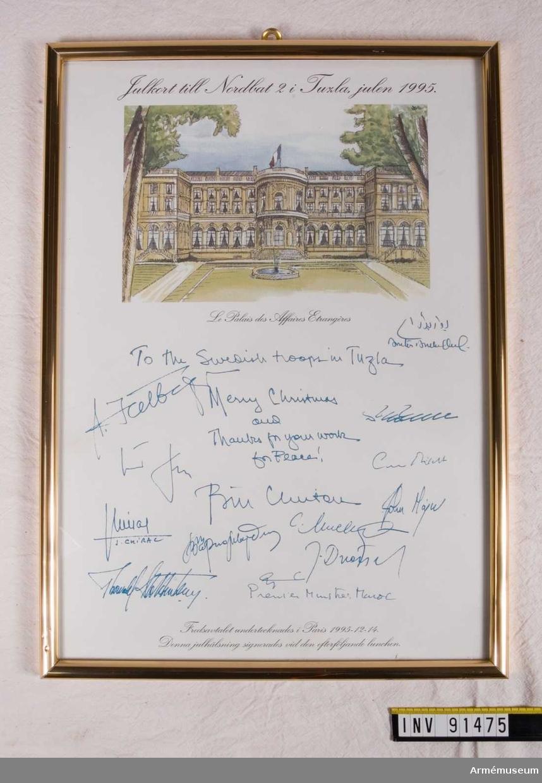 Inramat julkort  undertecknat av bl.a. Bill Clinton.