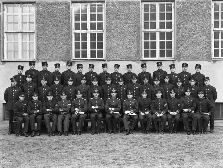 """Uppgift enligt fotografen: """"Uddevalla. Studentbeväringar. Löjt. Fürst dec. 1934."""""""