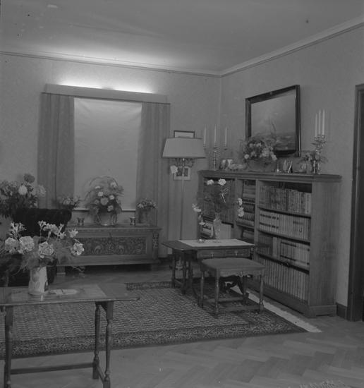 """Text till bilden: """"Luckeys. 1948.10.08"""""""