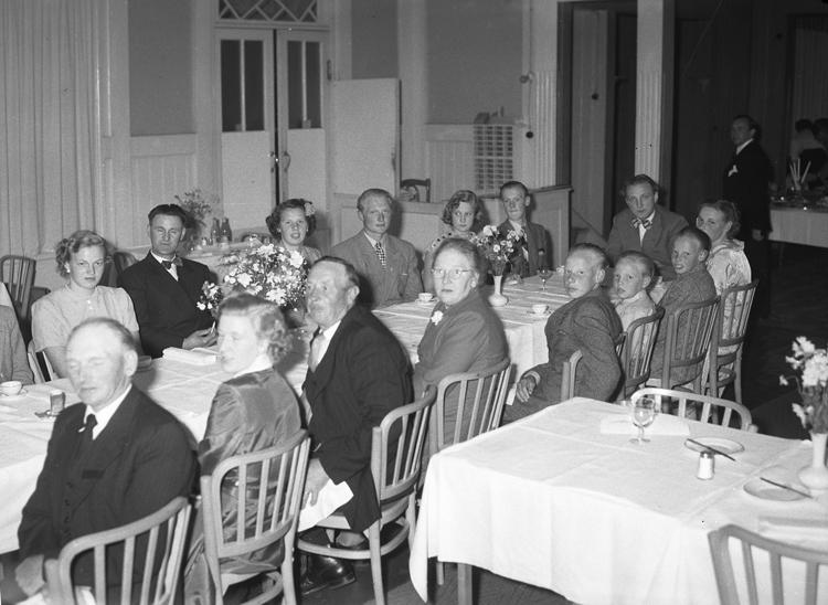 """Text till bilden: """"Svenco 30 års jubileum. (Sven Hansson & Co) Ramhammarsvägen 15 Bromma. 1951""""             i"""