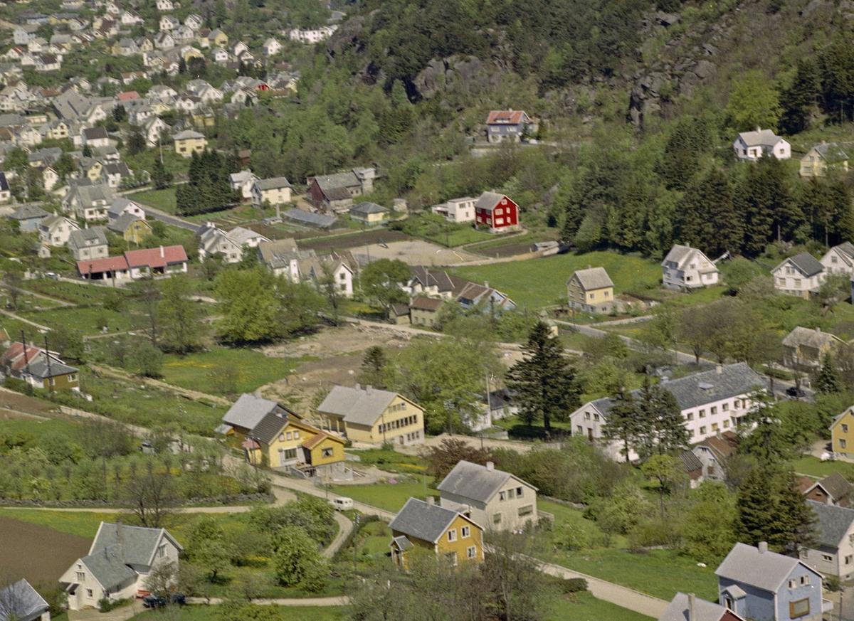 Årstaddalen, kirkegården