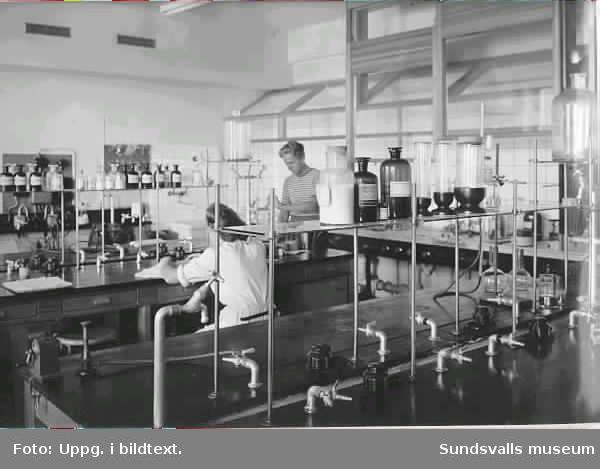 SCA Graphic Research AB. Inlånat bildmaterial i anslutning till dokumentationen av forskningslaboratoriet och dess verksamhet. sommar-höst-00.