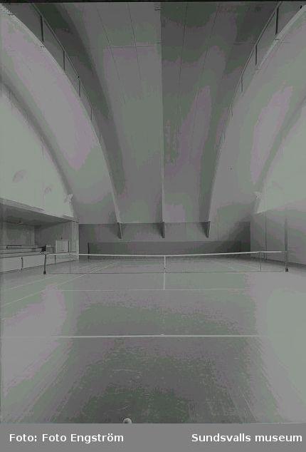 Tennishall, interiör.