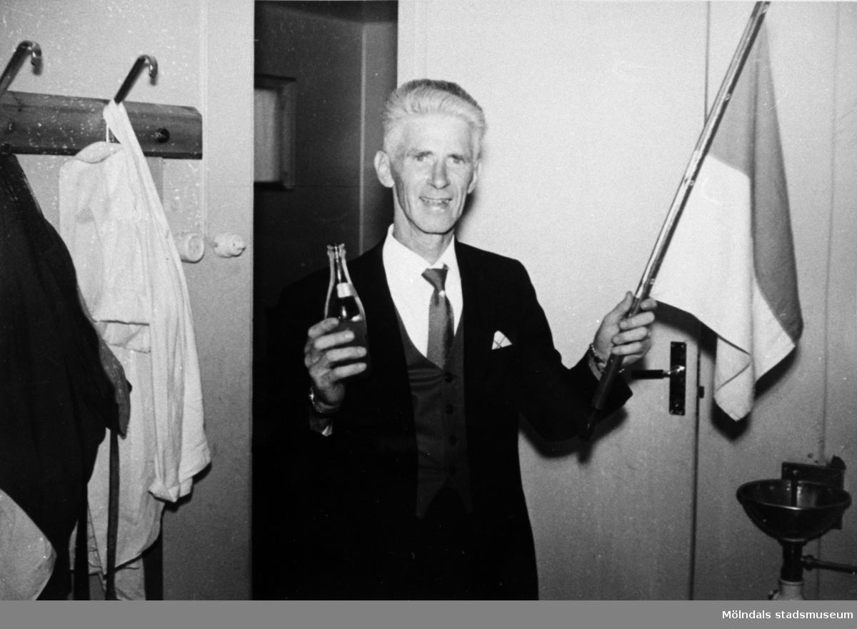 Torsten Hagstedt, lagledare för Papyrus fotbollslag, år 1953.