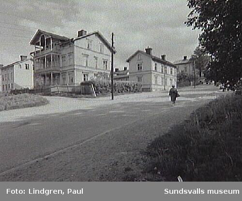 Nybrogatan 43-45. Byggnaderna är troligen uppförda 1889.