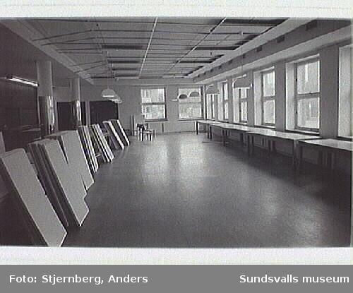 Verkstadsskolan med bl a interiör från skolans kök.