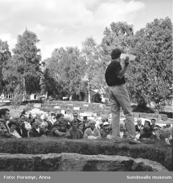 gäller äv 280, 281. Leif Grundberg, guide. Utgrävningen gjordes av Institutionen för arkeologi, Umeå universitet. Nyskannade bilder inlagda som exempel.
